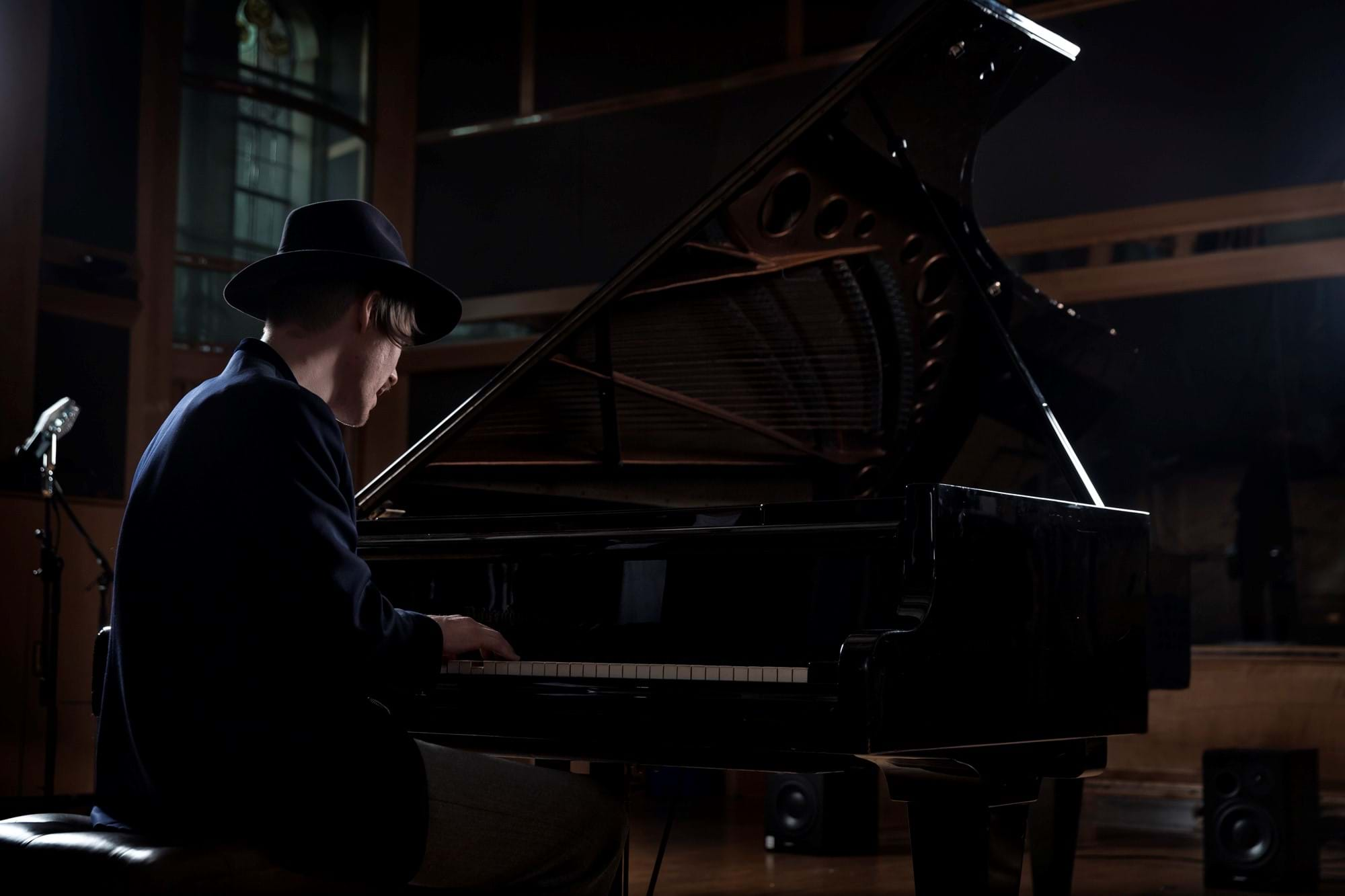 The pianist in the studio