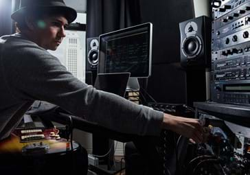 Sune Wagner is working with studio equipment